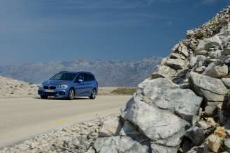 The new BMW 220i Gran Tourer. On Location. (04/2015)