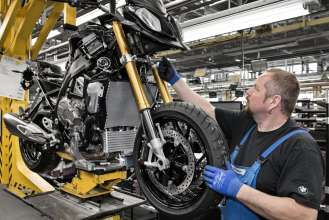 Start of Production of the new S 1000 XR at the BMW Plant Berlin - Assembly line, Control station  (04/2015).
