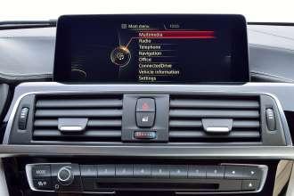Die neue BMW 3er Limousine, Modell M Sport (05/2015) BMW Individual Lackierung Champagner Quarz metallic.