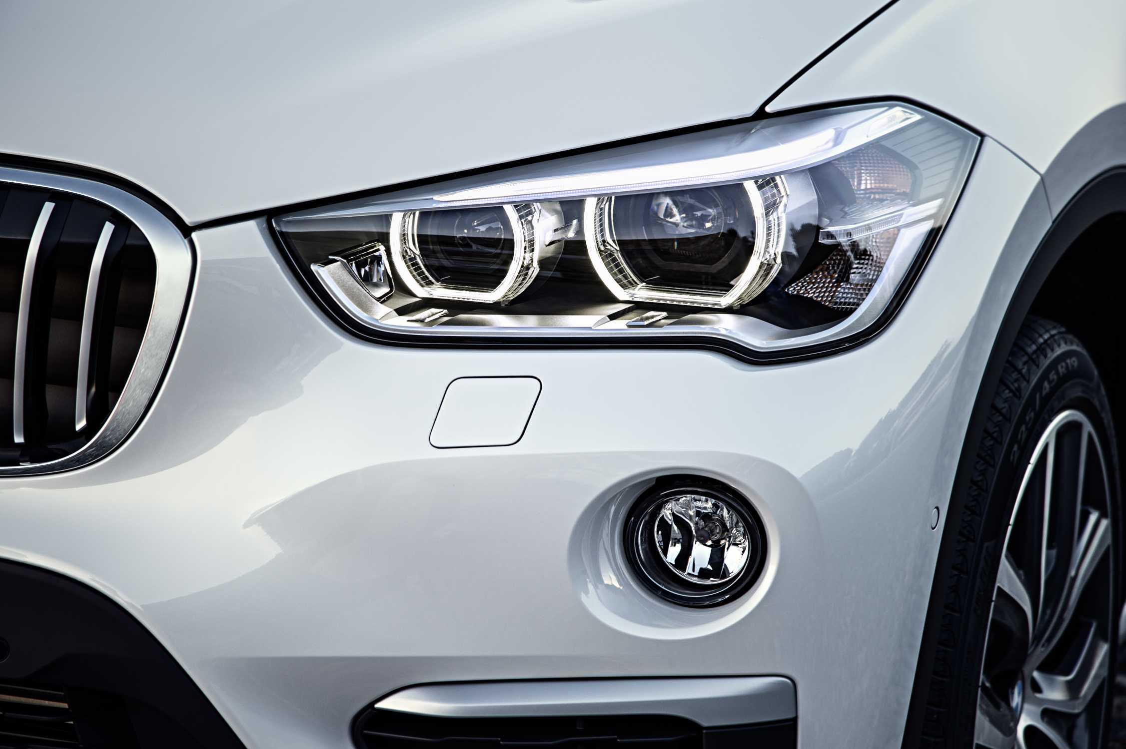 The New Bmw X1 Xline Mineral White Metallic Light