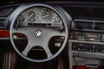 BMW 750iL cockpit - second generation BMW 7 Series, E32 (06/2015).
