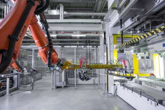 BMW Group Plant Dingolfing, production of the BMW 7 series - CFRP production: lightweight construction, intelligent material mix (06/2015).