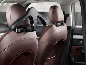 The new MINI Clubman with Travel & Comfort System coathanger. (06/2015)