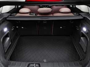 The new MINI Clubman with luggage compartment mat. (06/2015)