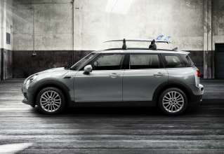 The new MINI Clubman with roof rack base support system for roof rails and surfboard holder. (06/2015)