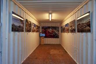 """Ausstellung des MINI SUPERLEGGERA VISION und Photographien aus der Reihe """"MINI Goes Tibet"""" auf der sechsten Triennale der Photographie Hamburg. (06/2015)"""