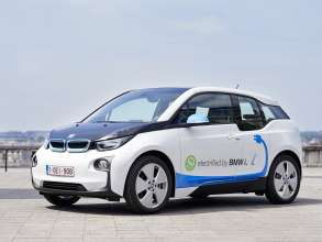 15 BMW i3s for Zen Car in Brussels – in Brussels at the Zavel/Sablon (06/2015).