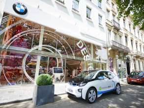 15 BMW i3s for Zen Car in Brussels  - on location in Brussels, visiting the BMW Brand Store and shopping at the Waterloolaan/Avenue de Waterloo (06/2015).