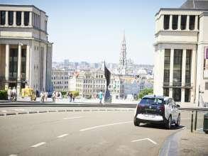 15 BMW i3s for Zen Car in Brussels – BMW i3 in Zen Car branding in Brussels' traffic (07/2015).