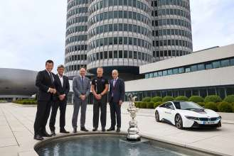 BMW Technologie Partner Oracle Team USA Dr. Steven Althaus, Russell Coutts, Dr. Ian Robertson, James Spithill, Dr. Nicolas Peter (07/2015)