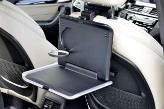 Der neue BMW X1. On Location Bildmaterial. Travel & Comfort Klapptisch. (07/2015)
