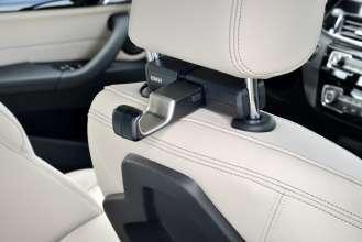 Der neue BMW X1. On Location Bildmaterial. Travel & Comfort Universalhaken. (07/2015)