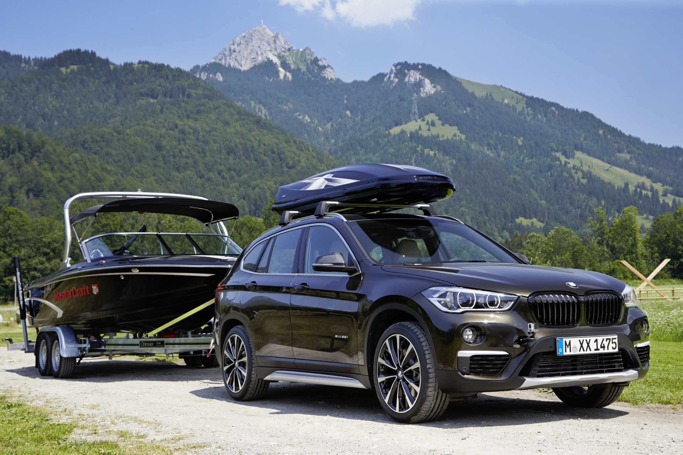 the new bmw x1 on location pictures 19 v spoke 573 black bright turned alloy wheel carbon. Black Bedroom Furniture Sets. Home Design Ideas