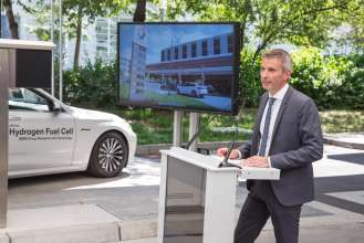BMW Group, worldwide first hydrogen station with two types of refuelling technology, Matthias Klietz, (Head of Research Powertrain, BMW Group). (07/2015)