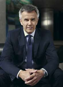 Peter Schwarzenbauer, Member of the Board of Management of BMW AG, MINI, BMW Motorrad, Rolls-Royce, Aftersales BMW Group (07/2015).