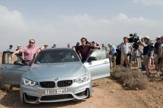"Simon Pegg und Tom Cruise mit dem neuen BMW M3 in ""Mission: Impossible - Rogue Nation"" (07/2015). © 2015 PARAMOUNT PICTURES. ALL RIGHTS RESERVED."