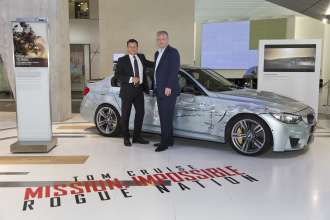 "Die Gastgeber der Deutschland-Premiere von ""Mission: Impossible – Rogue Nation"" in der BMW Welt: Dr. Steven Althaus, Leiter Markenführung BMW und Marketing Services BMW Group, und Florian Ritter, Co-Managing Director Paramount Pictures Germany (07/2015)."