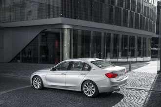 BMW 330e (09/2015)