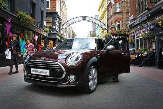 Unveiled in a UK premiere as part of the GQ Style Night out, the new MINI Clubman was officially launched last night (Thursday 27th September), by Matthew Zorpas, 'The Gentleman Blogger', as it dazzled in the spotlight on Carnaby Street.