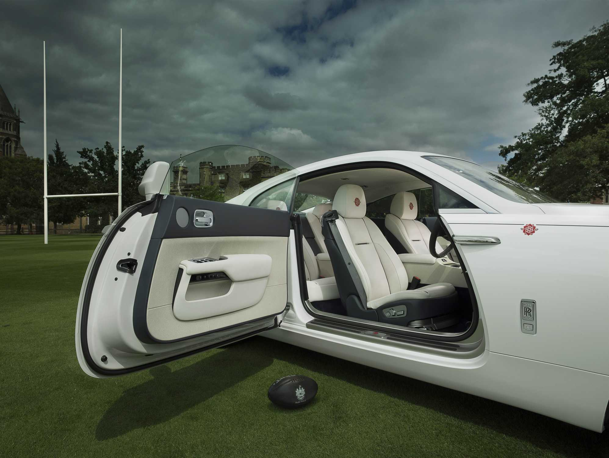 ROLLS-ROYCE MOTOR CARS UNVEILS BESPOKE \'WRAITH\' – HISTORY OF RUGBY\'