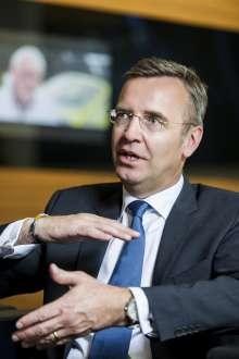 Maximilian Schoeberl, BMW Group, Director Corporate Affairs (10/2015)