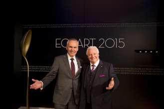 Dr. Friedrich Eichiner, Mitglied des Vorstands der BMW AG, mit Eckart Witzigmann. Verleihung des ECKART 2015, BMW Museum (10/2015).