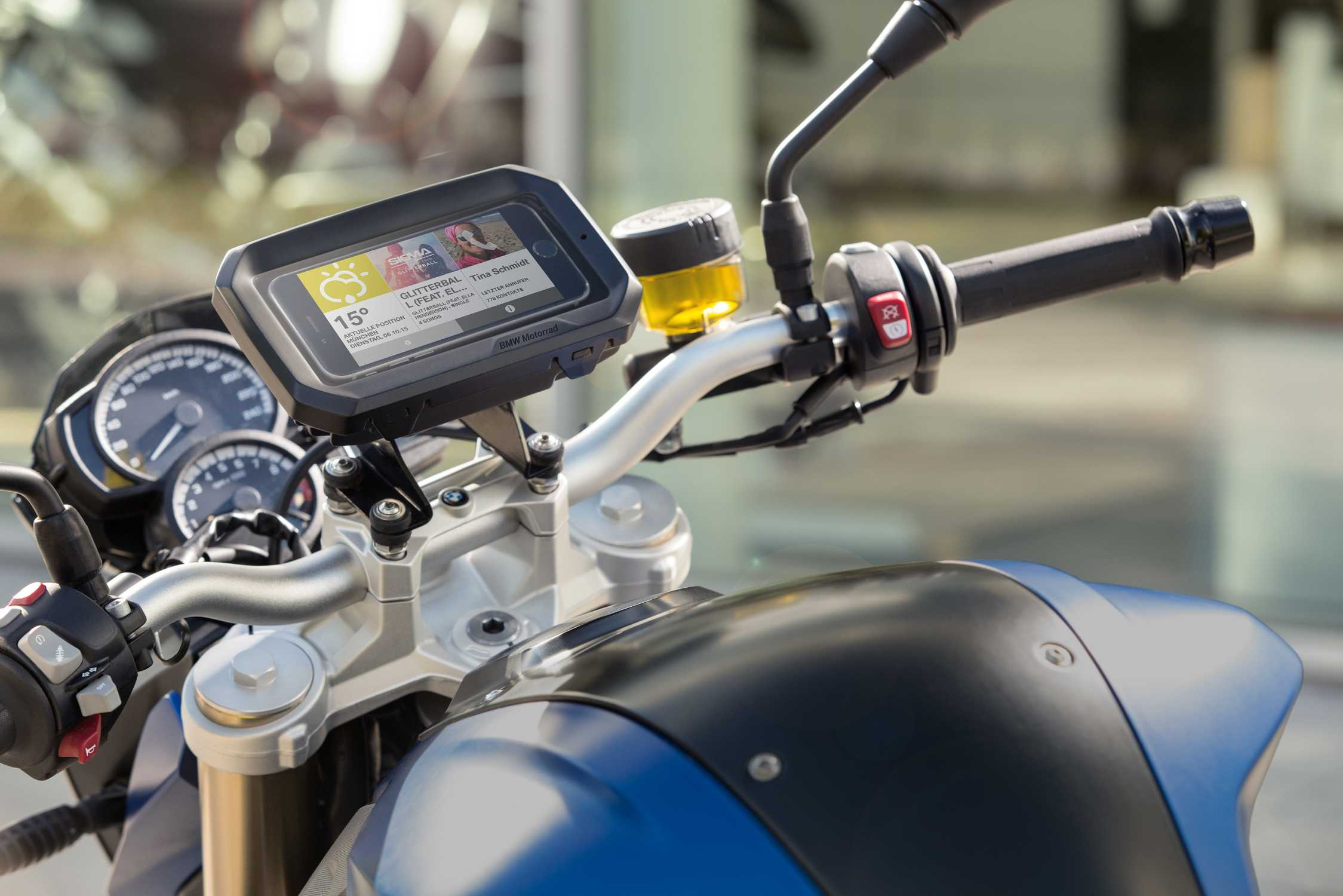 BMW Motorrad presents Smartphone Cradle for motorcycles and scooters. Perfect combination of fun on two wheels and multimedia.