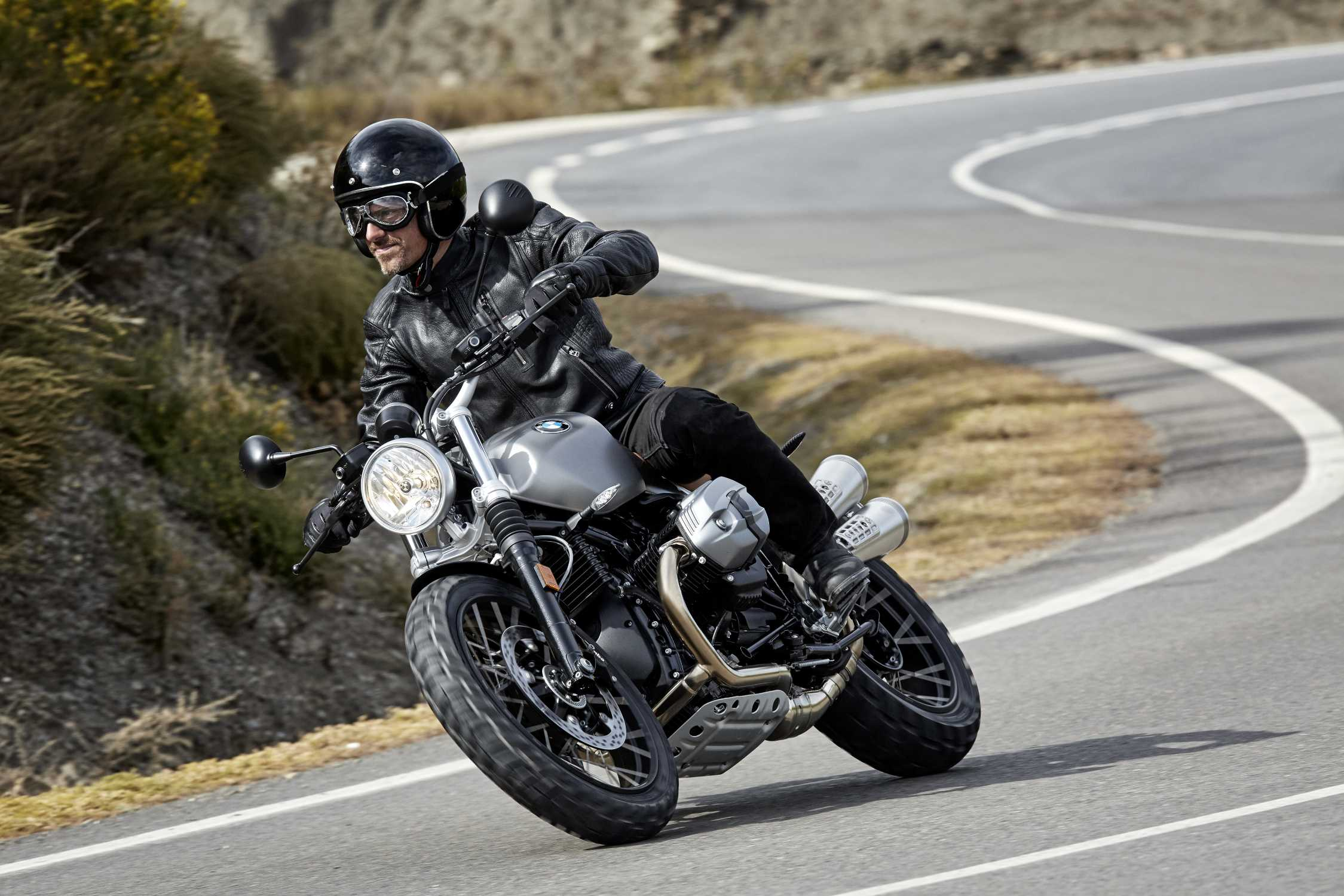 The New Bmw R Ninet Scrambler A Down To Earth Character Beyond