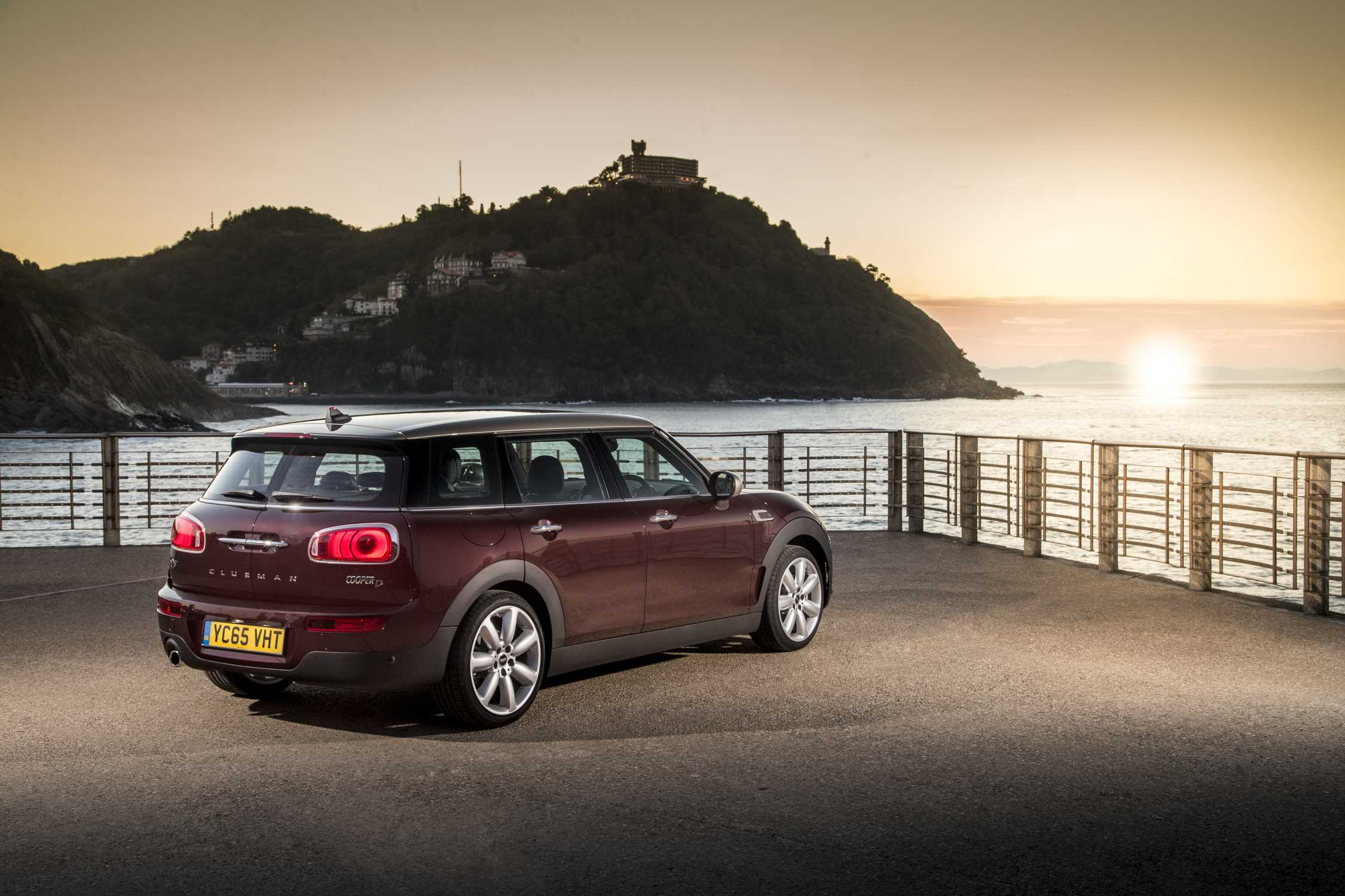 the new mini clubman. Black Bedroom Furniture Sets. Home Design Ideas