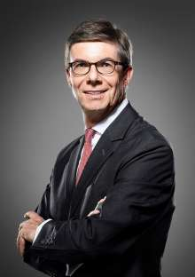 Olaf Kastner, President and CEO of BMW Group Region China (as of 12/2015)