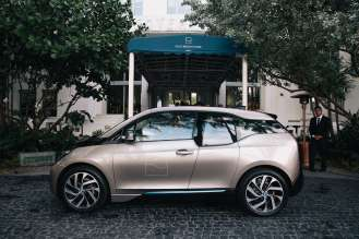 BMW i3 in front of the Soho Beach House in Miami (12/2014)