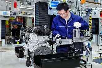 neues BBA Motorenwerk in Shenyang/China – Motorenmontage (01/2016)