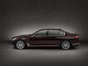 BMW M760Li xDrive Modell V12 Excellence - Exterieur - BMW Individual Rubinschwarz metallic (02/2016).