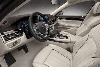 BMW M760Li xDrive Modell V12 Excellence - Interieur - BMW Individual Merino Feinnarbe Rauchweiß/Viola dunkel (02/2016).