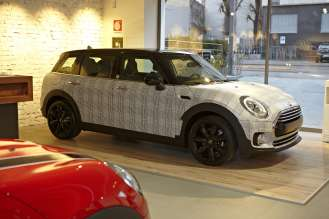 06/02/2016 - MINI Milano veste in Principe di Galles una MINI Clubman realizzata da Garage Italia Customs