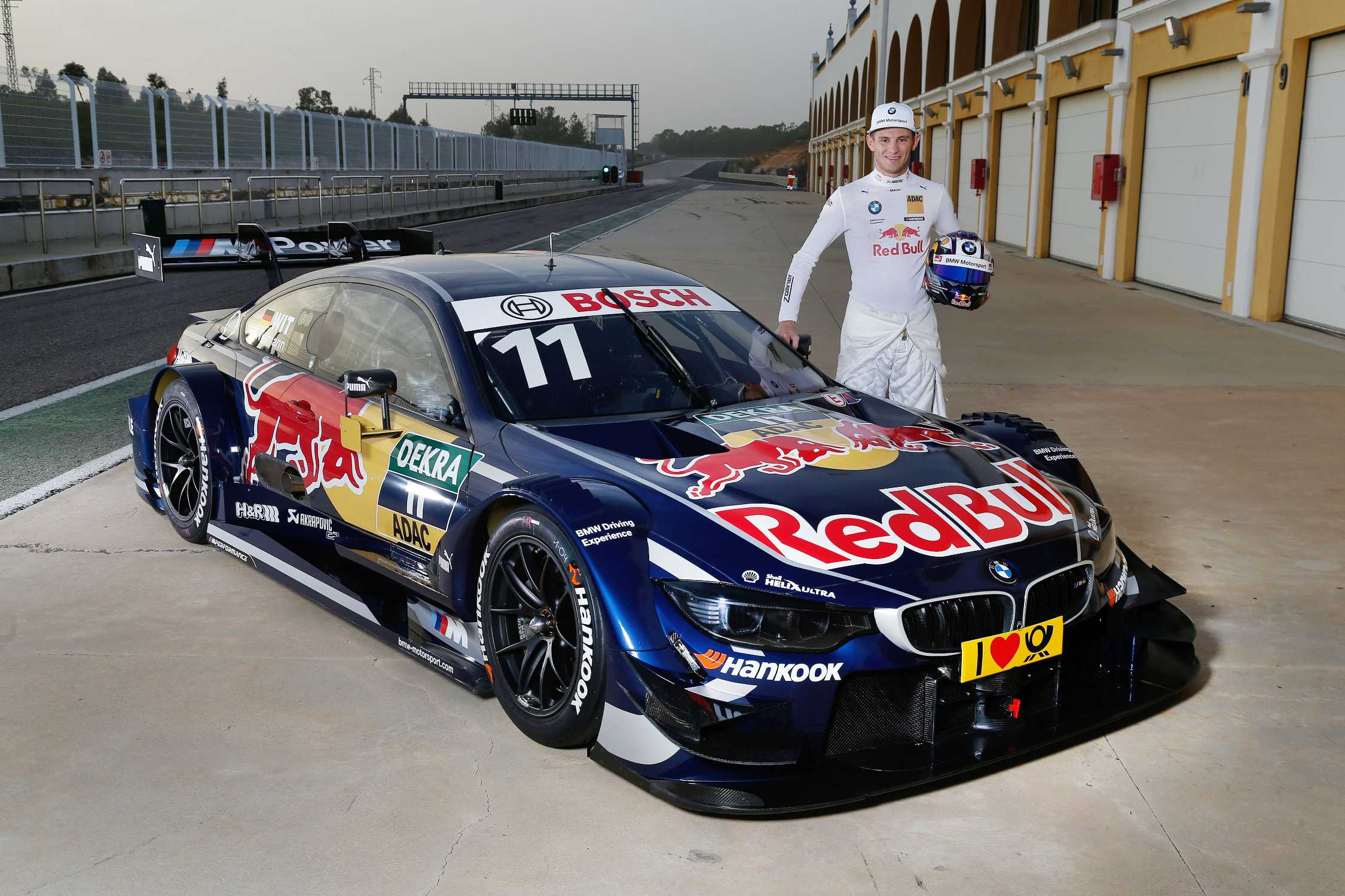 debut in monteblanco wittmann at the wheel of the red bull bmw m4 dtm with immediate effect. Black Bedroom Furniture Sets. Home Design Ideas