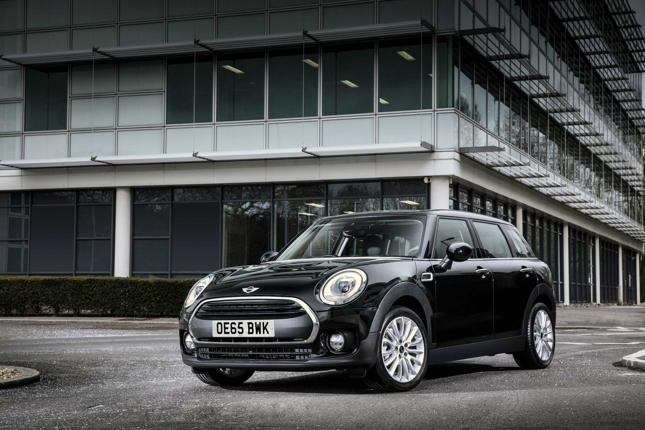 Resale Value Giants Mini Is The Leader In Two Vehicle Categories