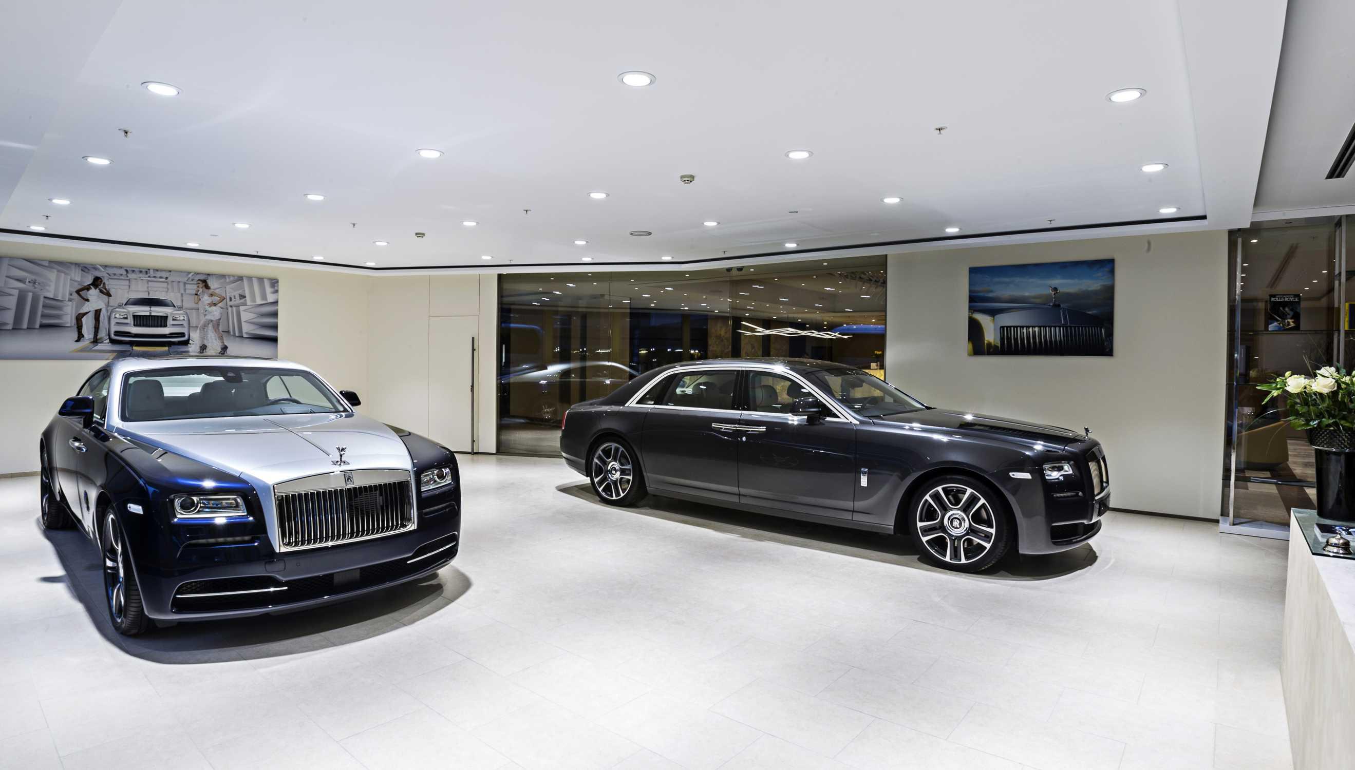 Rolls royce motor cars opens first showroom in czech republic for Rolls royce motor cars