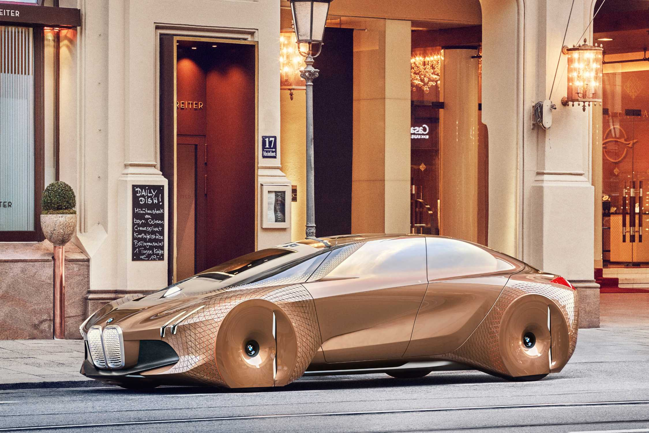 The Next 100 Years Bmw Vision Next 100 Makes Asian Debut