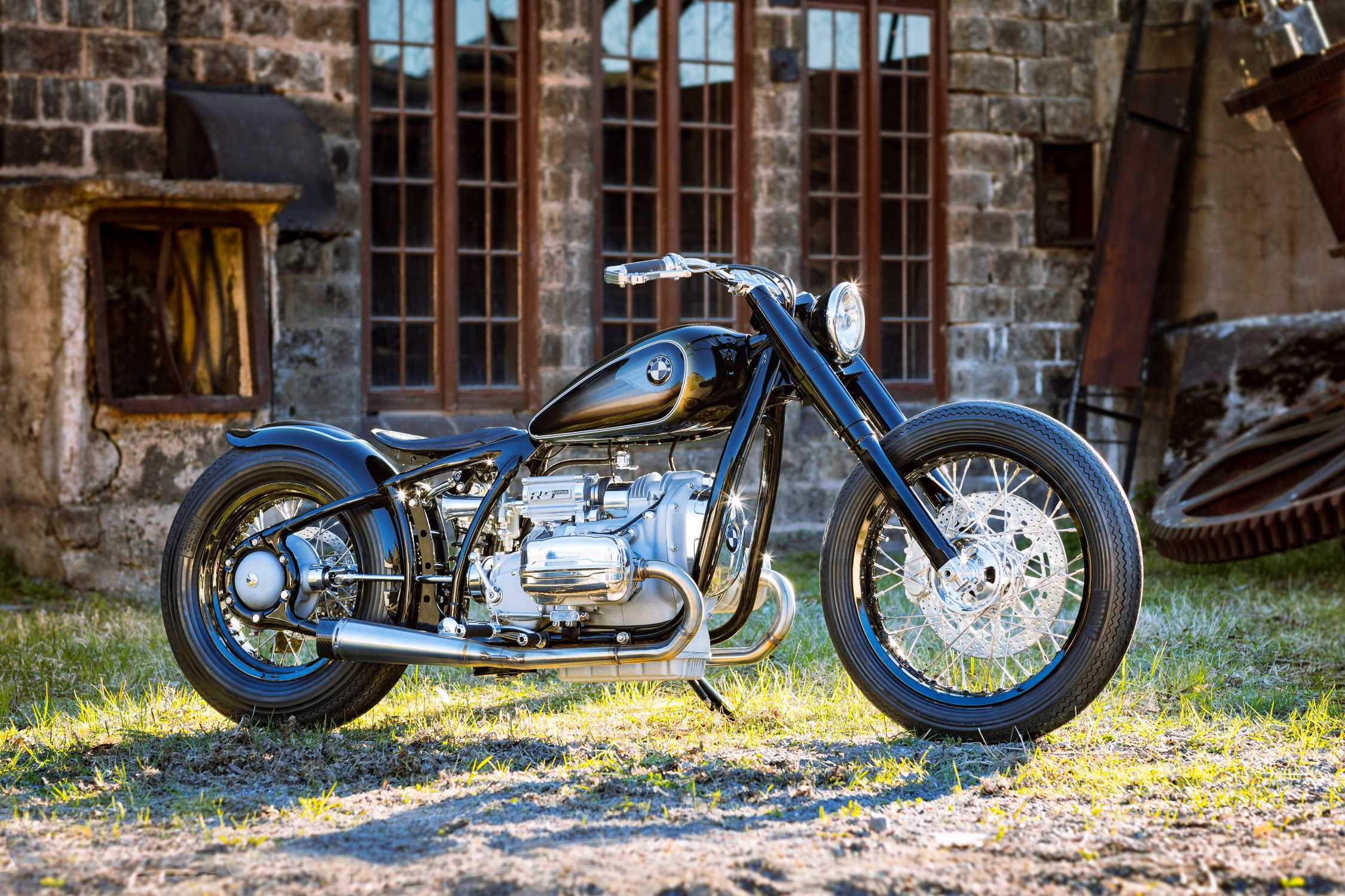 BMW Motorrad R 5 Hommage. The Essence of Beauty and ...