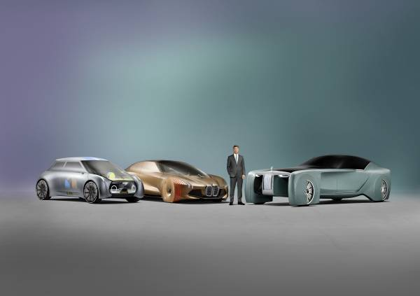 MINI VISION NEXT 100, BMW VISION NEXT 100, Rolls-Royce VISION NEXT 100 (l-r:), Harald Krüger, Chairmen of the Board of Management of BMW AG (06/2016)