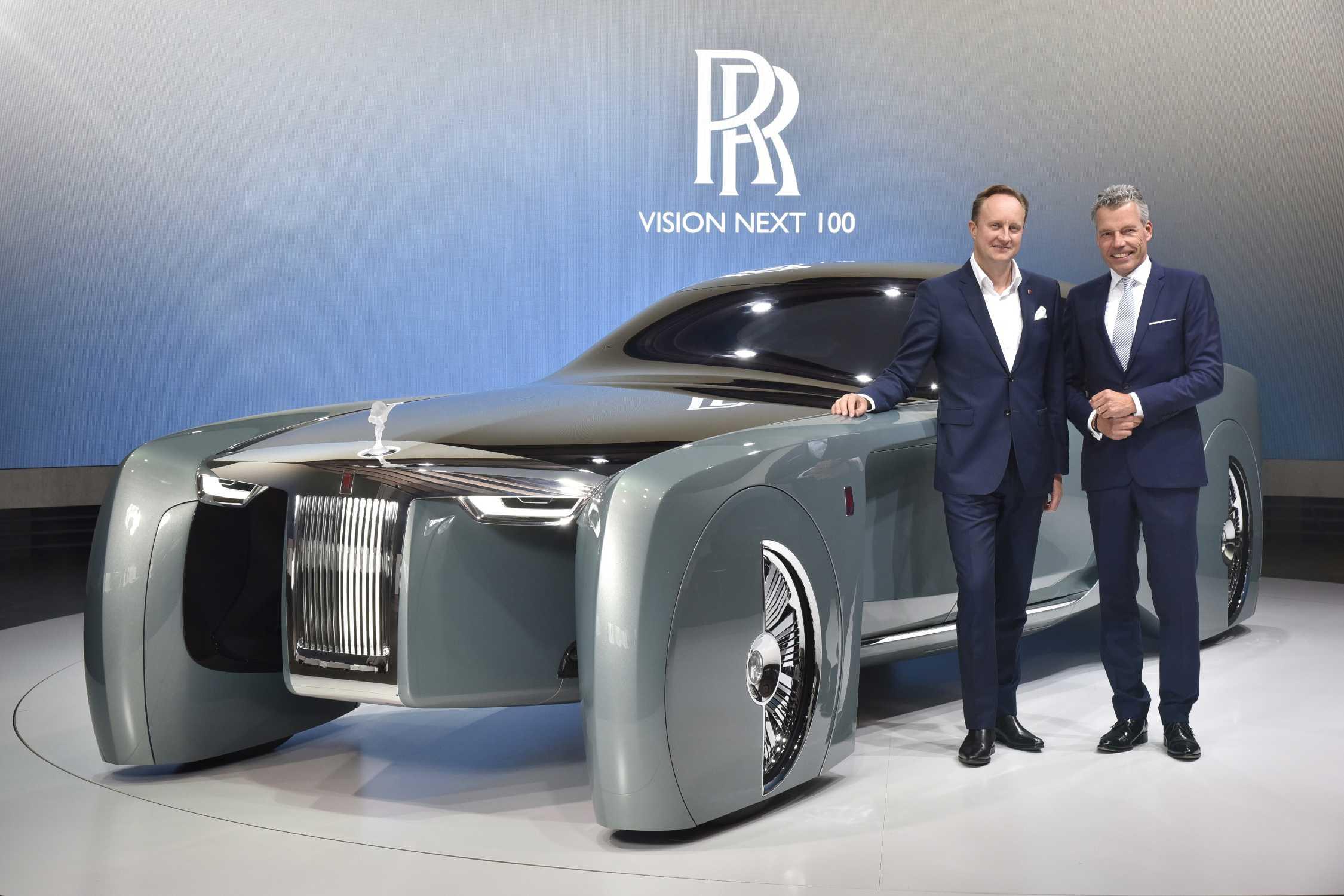 P90223404 Rolls Royce Vision Next 100 L R Torsten Mueller Oetvoes Ceo Of Motor Cars Giles Taylor 2250px Jpg
