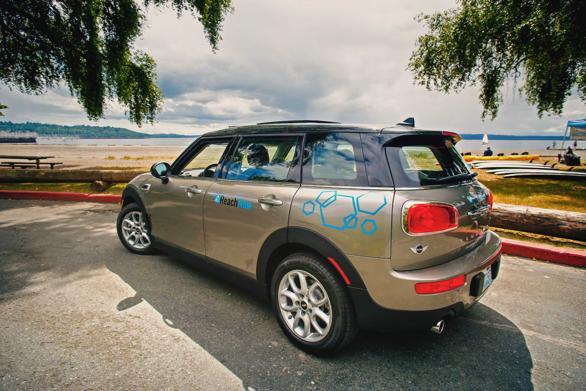 ReachNow Car Sharing Celebrates Growing Demand Adds 150 More Cars
