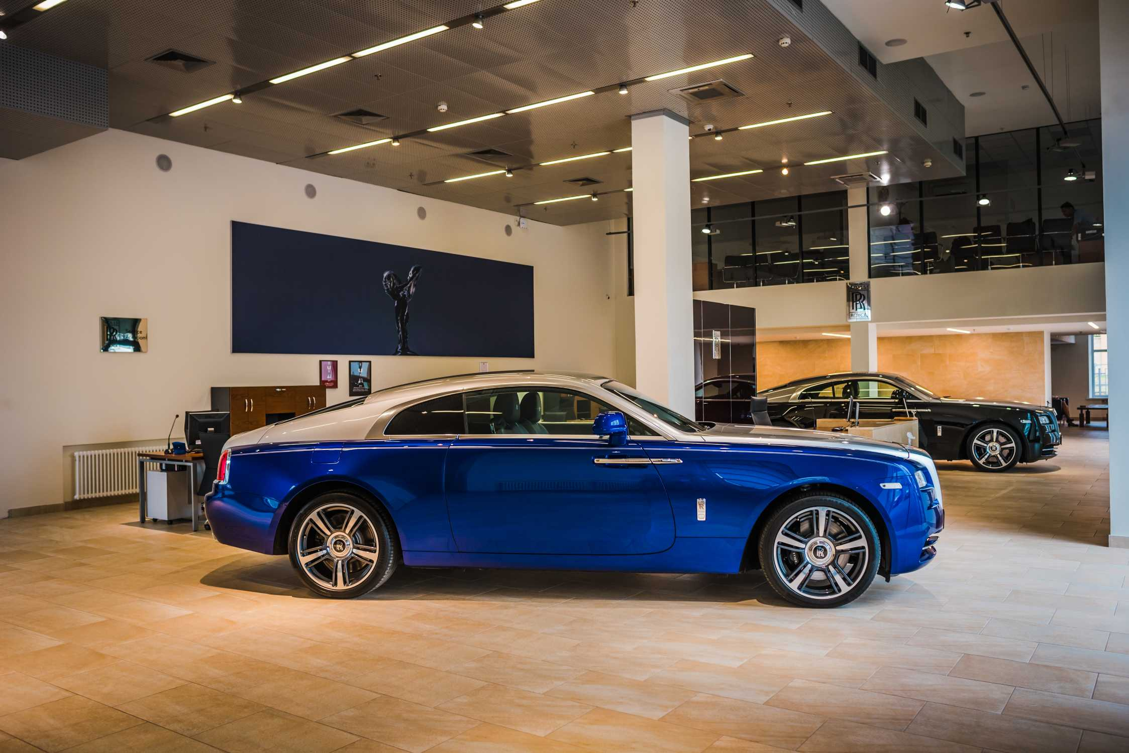 rolls royce motor cars opens first european provenance pre owned showroom in moscow. Black Bedroom Furniture Sets. Home Design Ideas