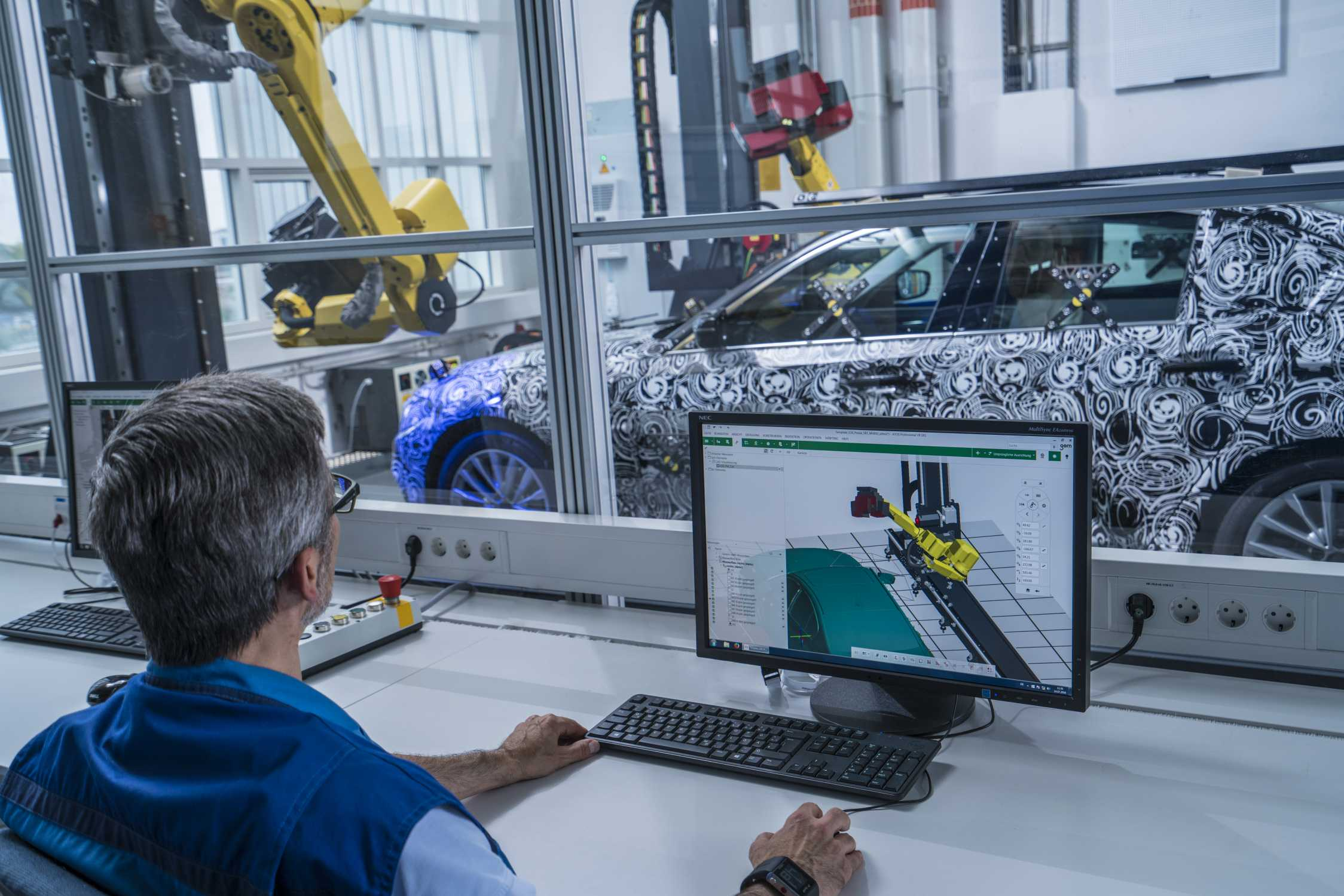 BMW fully automated robotic measuring cell