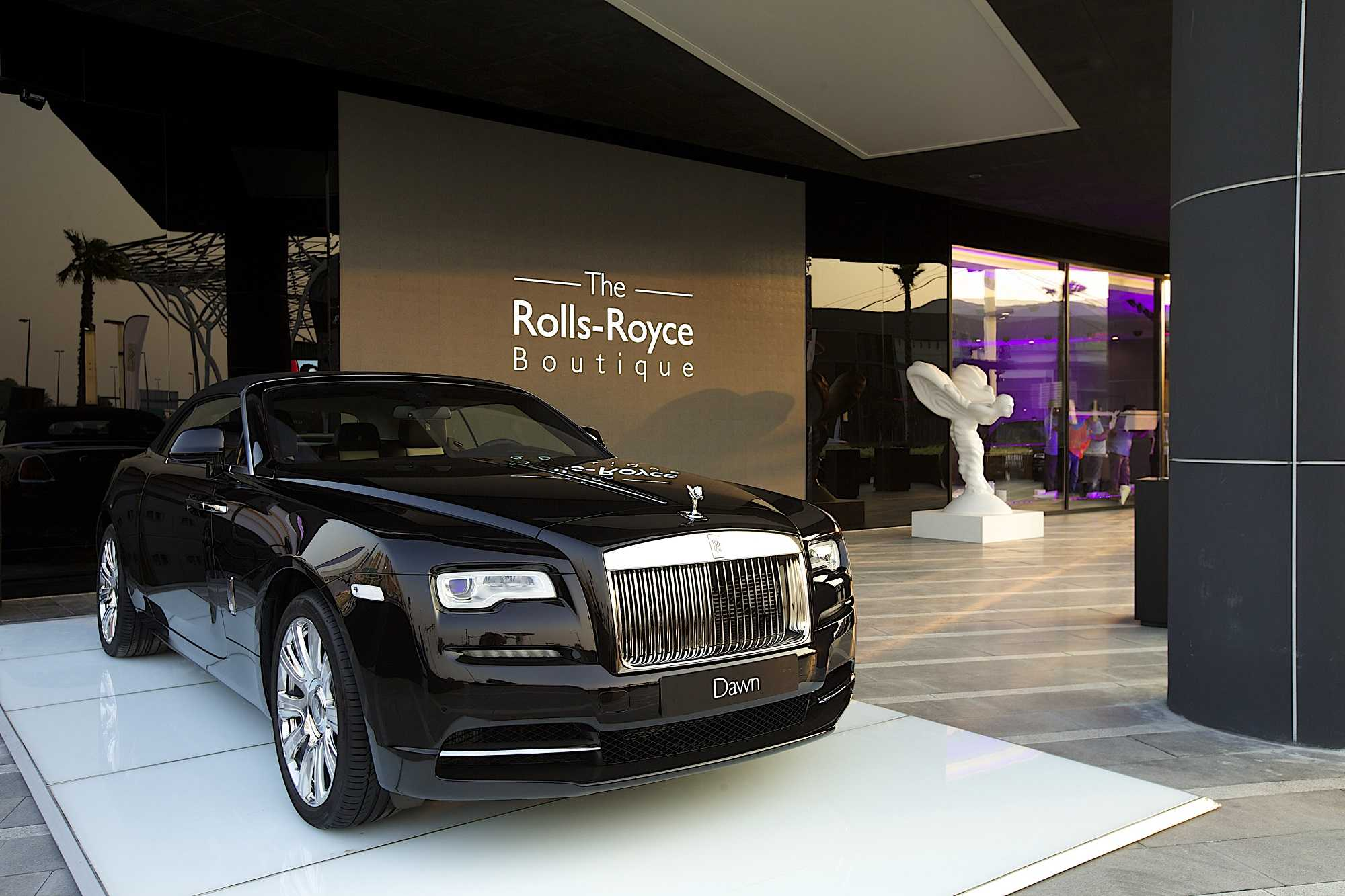 ROLLS ROYCE MOTOR CARS UNVEILS FIRST EVER ROLLS ROYCE BOUTIQUE