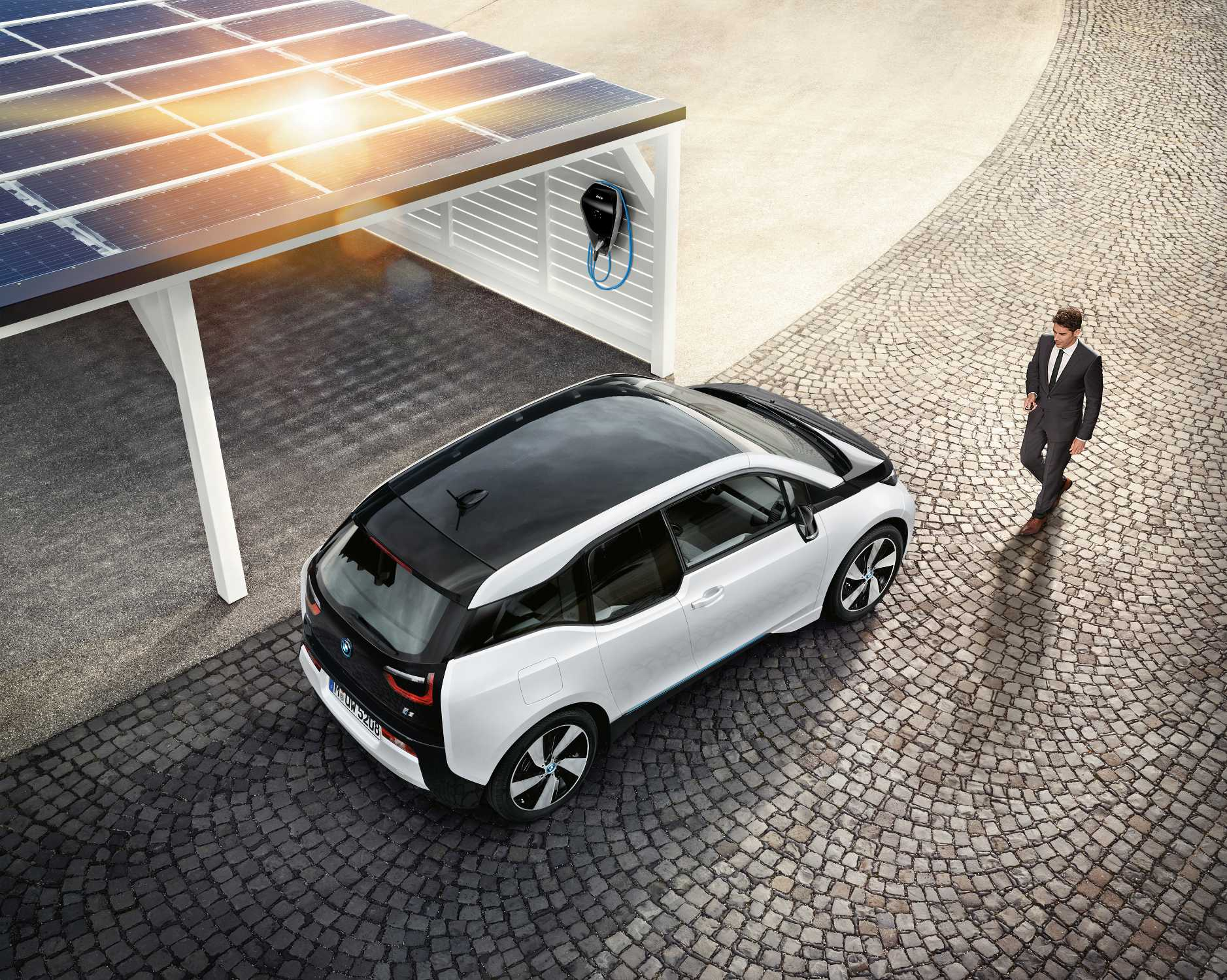 Bmw Digital Charging Service Optimises Charging And Integrates Electric Vehicles Into The Energy Market