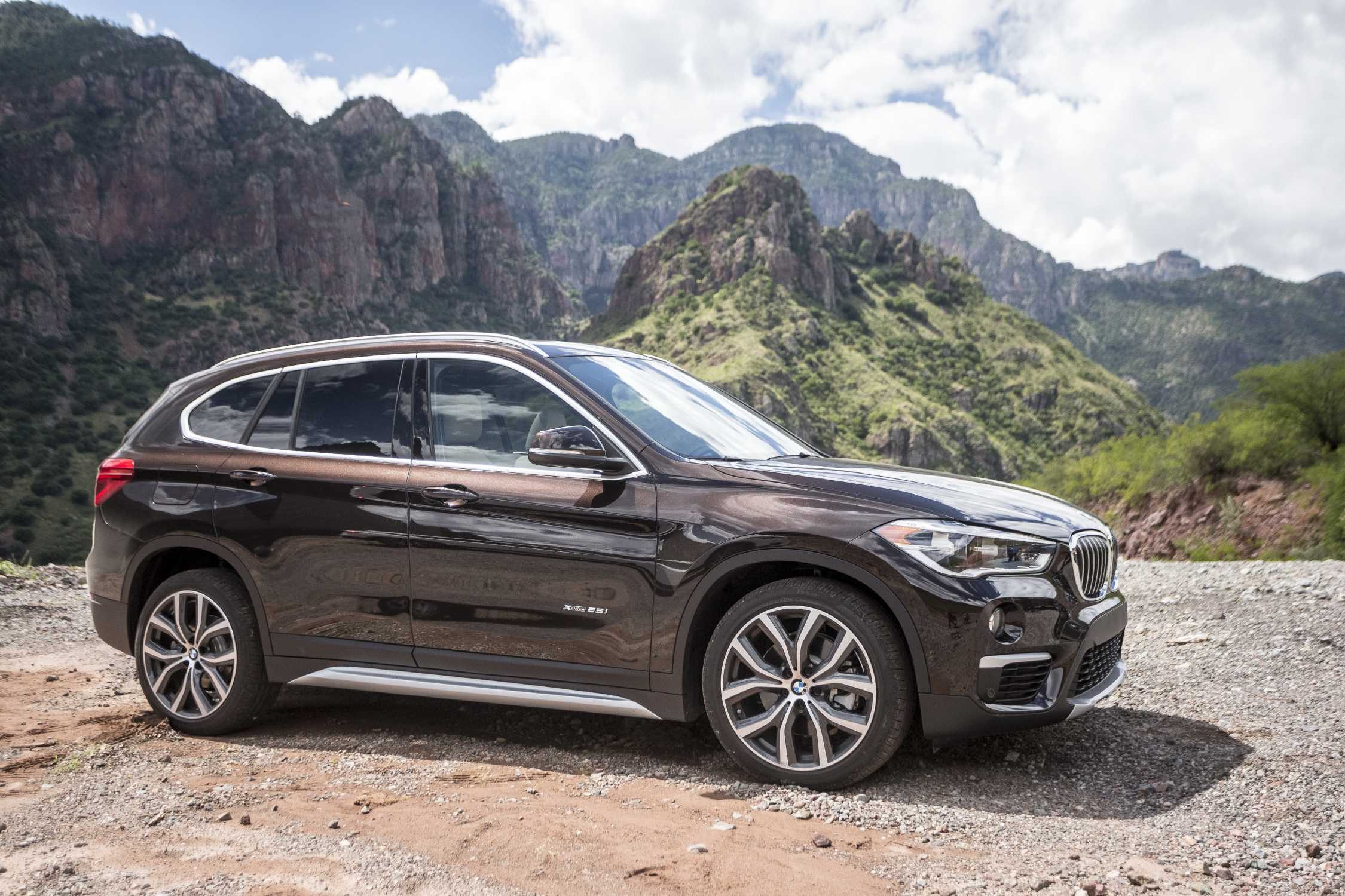 """2017 BMW X1 and 2017 BMW 2 Series Earn IIHS """"Top Safety Pick"""""""