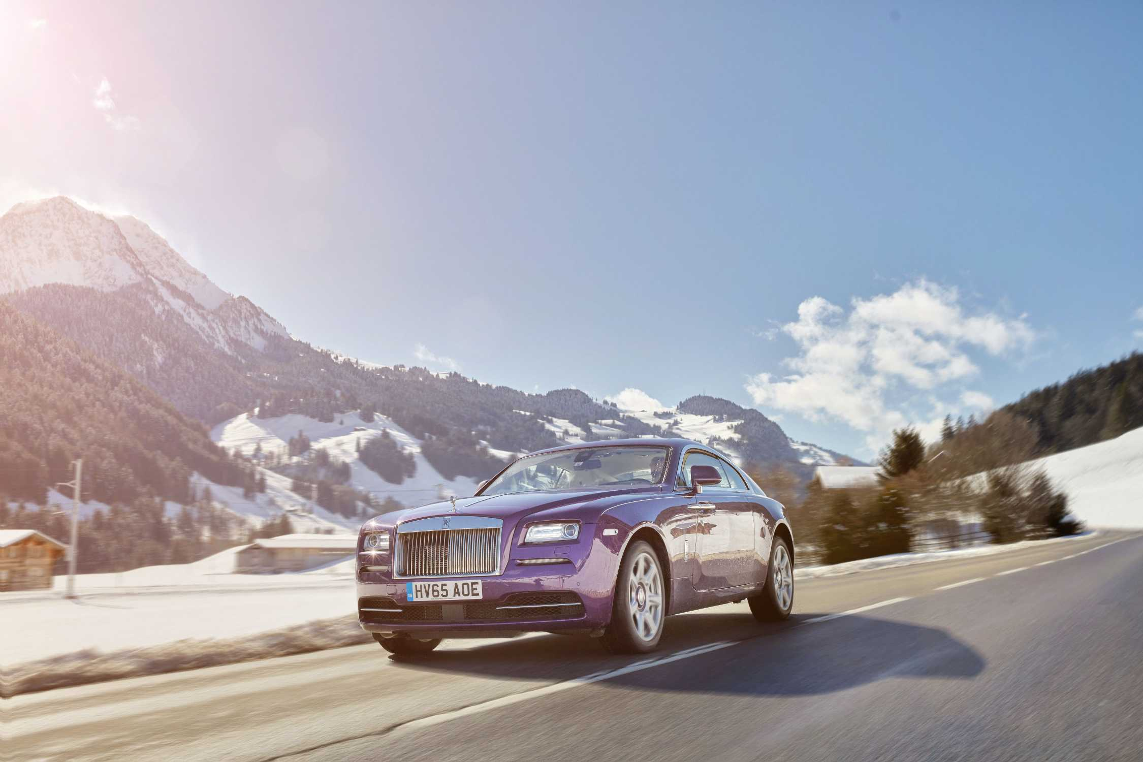 Rolls royce motor cars to grace courchevel and st moritz for Rolls royce motor cars