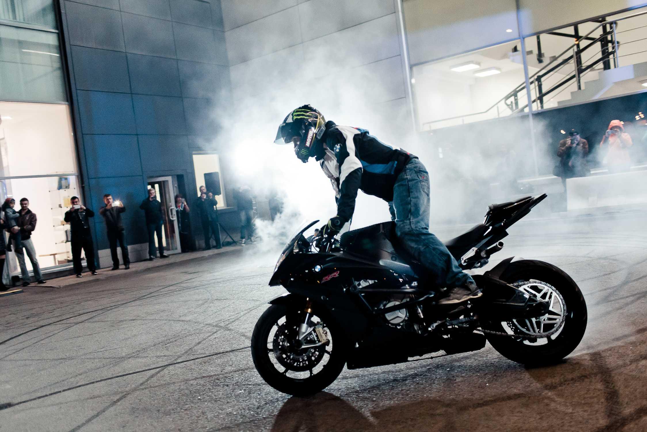 Новый дилерский центр BMW Motorrad «РОЛЬФ Премиум» в Москве.